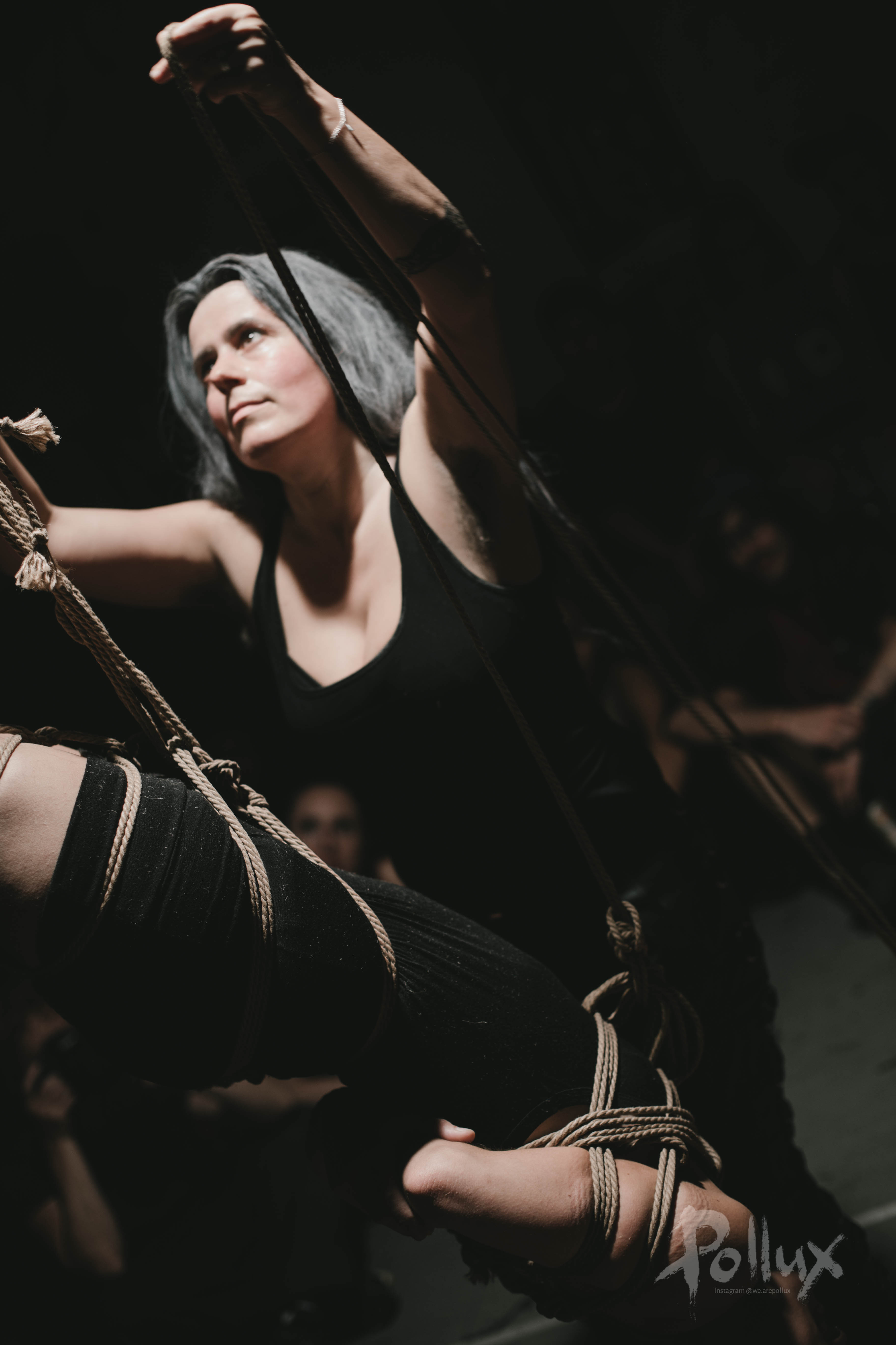 Jo Pollux Bondage performance at Bei Ruth in 2017 with Lou Smorals. Photo by https://www.instagram.com/we.arepollux/